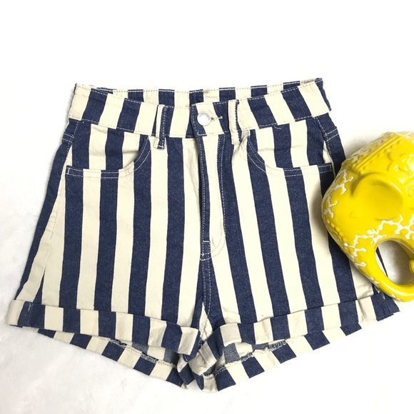 H&M Pants - Divided H&M Striped Denim Short sz:4